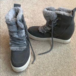Steve Madden wedge winter sneakers